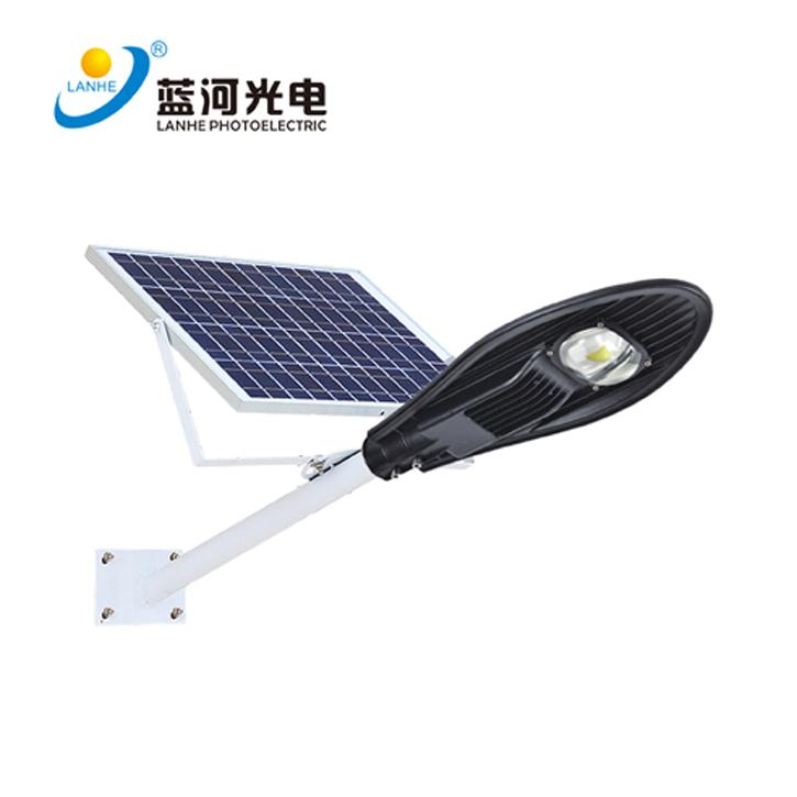 LED宝剑太阳能路灯-LHD-TYN30BJ